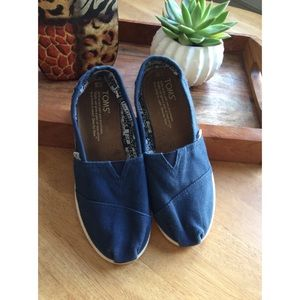 TOMS | Navy Canvas | Classic Slip On